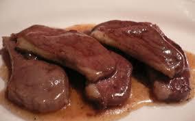 cuisiner magret de canard poele recette magret de canard au miel pommes de terre sautées