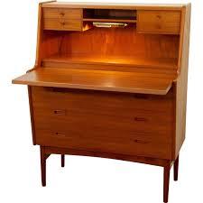 bureau secretaire antique secrétaire vintage avec une le de bureau arne wahl iversen