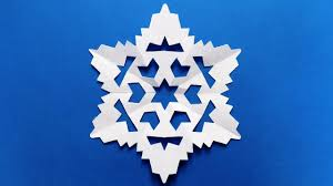 How To Make A Snowflakes Out Of Paper - paper snowflake easy tutorial make snowflakes out of paper easy