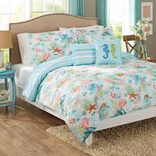 beatiful sea pattem fabric quilts and pillow simple white wooden