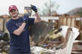 Twister Movie Meme - man finds twister dvd in the rubble of his home pics