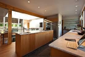 cours de cuisine thionville cuisine plan travail cuisine bois avec orange couleur plan travail