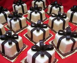 wedding cake gift boxes 27 best in praise of the mini cake images on mini