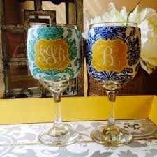 diy monogram wine glasses decoration chagne glasses interior decor by monogrammed