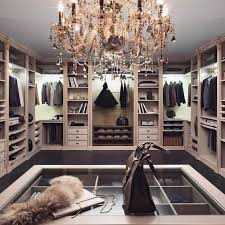 Closet Chandelier 30 Refined Glam Chandeliers To Make Any Space Chic Digsdigs