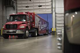 electric semi truck anheuser busch orders 40 tesla semi trucks wsj