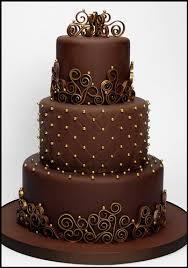 brown cake un wedding cake tout chocolat chocolate gold wedding cake and