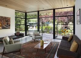 Vintage Holzverkleidung Moderne Mischung Renoviertes Haus Aus Den 1960er Jahren Mit Einem