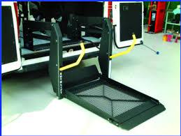 pedana per disabili sollevatore a pedana bibraccio per disabile in carrozzina albb1350