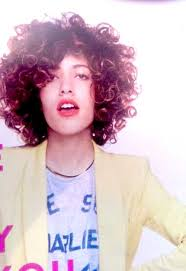 Hochsteckfrisurenen Kurze Lockige Haare by Wunderschöne Kurze Lockige Haare Ideen Die Sie Sehen Müssen