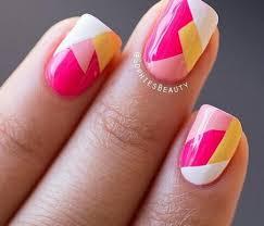 figuras geometricas uñas diseño de uñas en formas geométricas en tonos pastel