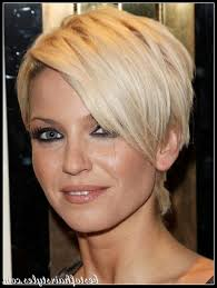 short hairstyles for round faces double chin