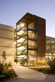 kaiser south sacramento parking structure overaa construction new design build precast hybrid parking structure constructed on a fully operation hospital campus the garage is a 5 level 285 000 sq ft