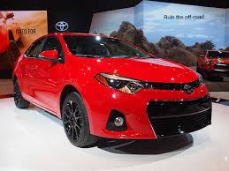 looking for toyota corolla 10 things you need to about the 2016 toyota corolla
