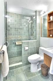 ideas for bathroom showers best 25 small bathroom showers ideas on small master