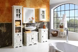 bad mit holz 2 badmöbel holz landhausstil frostig ruhig auf wohnzimmer ideen oder