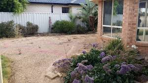 what do landscapers do choosing a landscaper service know what to do