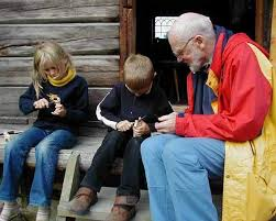 what is the best whittling knife for a child robin wood