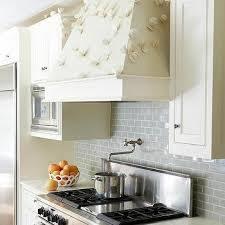 kitchen cabinets with backsplash ivory kitchen cabinets design ideas