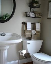 decorating small bathrooms pinterest 25 best ideas about half
