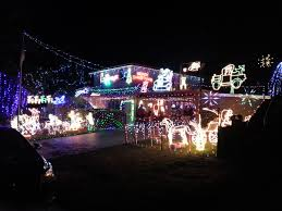 christmas light display at lulworth place frankston melbourne