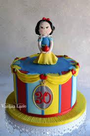snow white cake for a disney themed 30th birthday cake was caramel