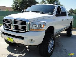 bright white 2006 dodge ram 2500 slt mega cab 4x4 exterior photo