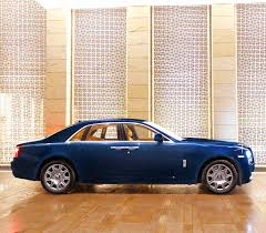 roll royce side rolls royce ghost series 2 on rent for doli at ktc india