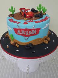 lightning mcqueen cakes lightning mcqueen cake d cake creations