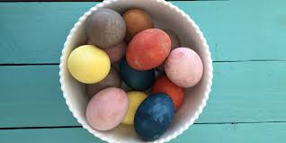 Frozen Easter Egg Decorating Kit by How To Make Natural Easter Egg Dyes Homemade Egg Dyes