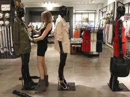zara u0027s retail strategy is winning business insider