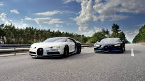 the best way to film a bugatti chiron do 249mph another chiron