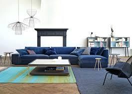 canap bleu roi design d intérieur canape velours bleu nuit canapacs en vert et