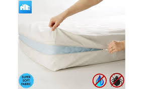 Bed Bug Pictures Of Mattresses Amazon Com Ultimate Bed Bug Blocker Zippered Mattress Protector