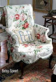 Shabby Chic Couch Covers by Shabby Chic Chair I Want One Like This For My Bedroom