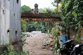 Trash House by The Worst Thing About Indonesia The Trash Problem Chantae Was Here