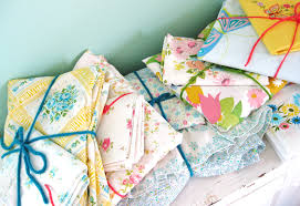 fresh vintage bed linens so cozy for the love of vintage