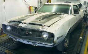 chevy camaro 302 1969 camaro project starter cars barn finds cars