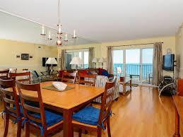 la chambre en direct direct oceanfront 2 chambres 2 salles de bains master bath is