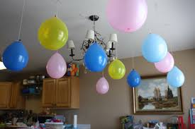 beautiful to decorate a room with balloons for birthday party