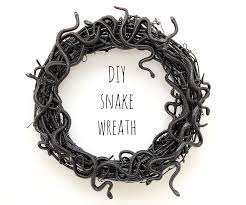 Black Halloween Wreath 23 Scary Porch And Patio Halloween Decorations Perfectporchswing Com