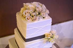 flower for the wedding cake
