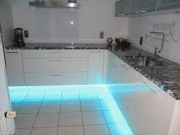 eclairage plan de travail cuisine eclairage led cuisine plan de travail beautiful eclairage led