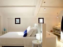 faire une salle de bain dans une chambre comment faire une salle de bains ouverte sur la chambre bedrooms