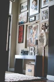 Entryway Wall Click Through For Some Home Decor Inspiration From Gallery Walls