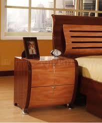 piece mahogany and cherry finish modern bedroom set