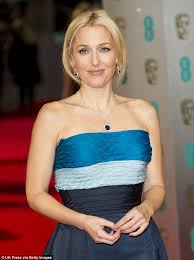 Gillian Anderson Latex - gillian anderson stuns in blue sapphires as she arrives at the