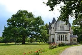 chateau chambre d hote château de la redortière location chambre d hôtes 16g9207 lesignac