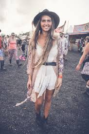 festival hair and boho looks to feel the vibes hairstyles 1865 best festival fashion images on pinterest festival fashion