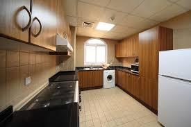 cuisine avec machine à laver cuisine avec les compartiments la machine à laver et le